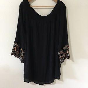 Forever 21 Black Crepe Embroidered Bell Sleeve-L